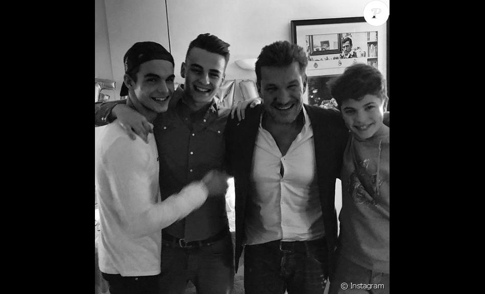 Benjamin Castaldi et ses fils Julien, Simon et Enzo, le 28 mars 2018 à Paris.
