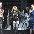 Kylie Minogue et le groupe Scissor Sisters au festival de Glastonbury, le 27 juin 2010.