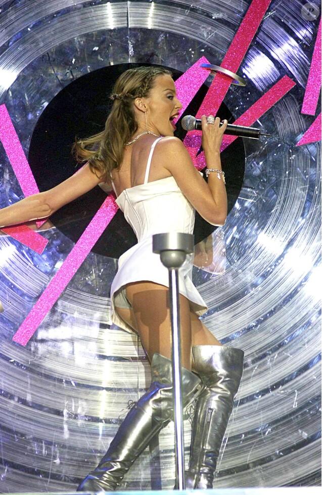 Kylie Minogue aux Brit Awards à Londres, le 21 février 2002.