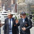 Bernard d'Alessandri, le directeur général du Yacht Club de Monaco, et le prince Albert II de Monaco - Départ du 1er Monaco Globe Series à Monaco le 3 juin 2018. © Bruno Bebert/Bestimage