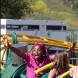 Brandy lors de la fête de l'école de sa fille Sy'rai à Los Angeles