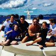 David Guetta avec son fils Elvis et des amis à lui, à Ibiza, juin 2018