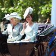"""Camilla Parker Bowles, duchesse de Cornouailles, et Catherine (Kate) Middleton, duchesse de Cambridge - Les membres de la famille royale britannique lors du rassemblement militaire """"Trooping the Colour"""" (le """"salut aux couleurs""""), célébrant l'anniversaire officiel du souverain britannique. Cette parade a lieu à Horse Guards Parade, chaque année au cours du deuxième samedi du mois de juin. Londres, le 9 juin 2018."""