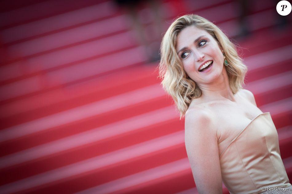 Julie Gayet - Montée des marches du film « Les Eternels » lors du 71ème Festival International du Film de Cannes. Le 11 mai 2018 © Borde-Jacovides-Moreau/Bestimage
