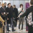 """Zac Efron quitte la France pour s'envoler vers Londres et continuer la promotion de """"17 ans encore"""". Le 25 mars dernier, il décollait de l'aéroport Charles de Gaulle."""