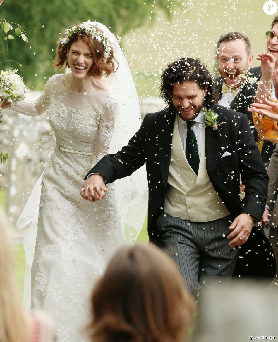 Mariage de Kit Harington et Rose Leslie en l\u0027église Rayne à Aberdeen en  Ecosse