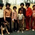 Michael Jackson, Jermaine Jackson, Jackie Jackson, Marlon Jackson, Tito Jackson, Randy Jackson et leur père Joe. Date inconnue © Rolf Bublitz/Globe Photos/ZUMAPRESS/Bestimage