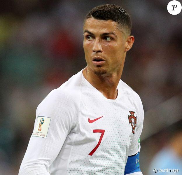 Cristiano Ronaldo lors de la 8ème de finale du match de coupe du monde opposant l'Uruguay au Portugal au stade Fisht à Sotchi, Russie, le 30 juin 2018.
