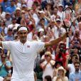 Roger Federer lors de sa victoire contre Lukas Lacko au tournoi de Wimbledon le 4 juillet 2018