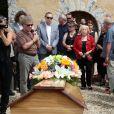 Doune Roux (veuve de François Corbier) - Obsèques de François Corbier (Alain Roux de son vrai nom) au cimetière de Serez dans l'Eure le 5 juillet 2018.