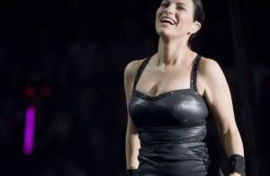 Laura Pausini : la diva italienne porte décidément bien son Armani !