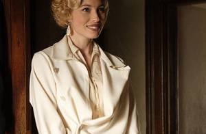 Jessica Biel, sublime en blonde décolorée, va vous faire... swinguer ! Regardez !