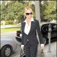 Nicollette Sheridan... sublime en business-woman