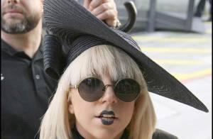 Lady GaGa : devinez quelle est la seule partie de son corps à ne pas être habillée ? Et regardez la réponse...