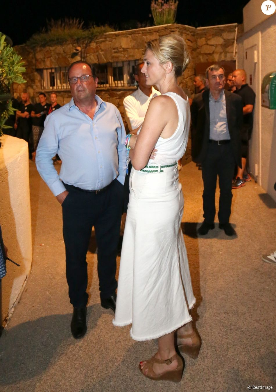 rencontre rapide gay wedding dress a Brest