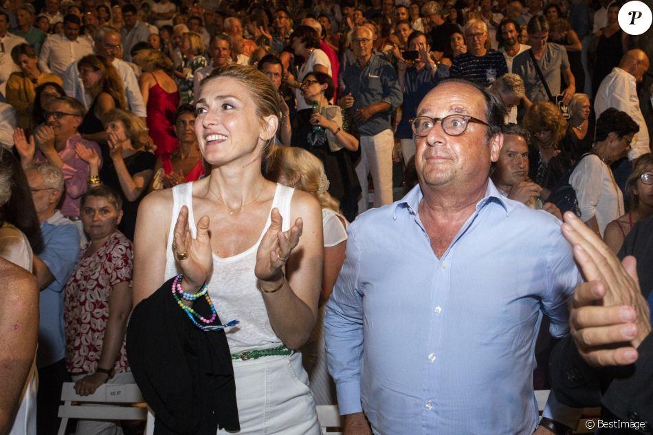 Exclusif - François Hollande et Julie Gayet - Festival de Ramatuelle - Pièce ART de Y. Reza le 4 août 2018. Un dîner était donné à l'issue de la représentation. © Cyril Bruneau / Festival de Ramatuelle / Bestimage