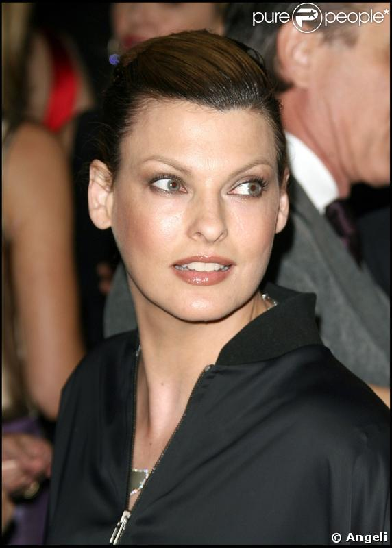 Linda Evangelista lors de la soirée pour le 20e anniversaire du National Resources Defense Council à Beverly Hills le 25 avril 2009