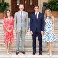 La reine Letizia et le roi Felipe VI d'Espagne avec le Premier ministre espagnol Pedro Sánchez et sa femme Begoña Gomez au Palais de Marivent à Palma de Majorque le 6 août 2018.