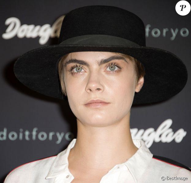 Cara Delevingne lors du photocall de la nouvelle campagne Douglas à Berlin. Le 30 mai 2018