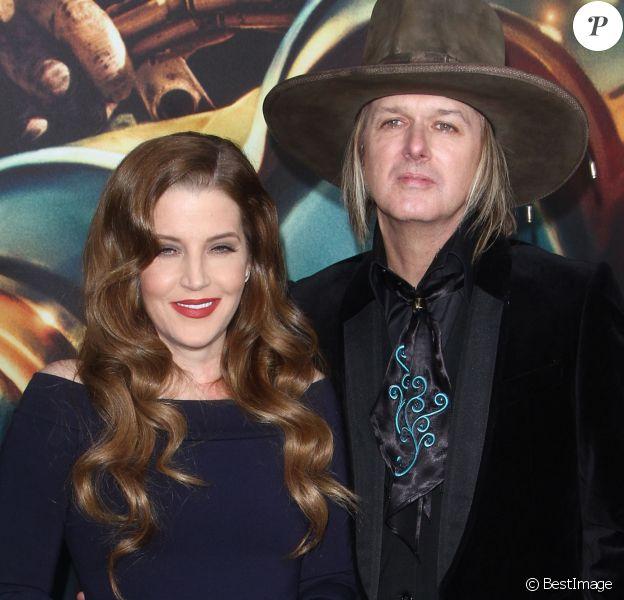 """Lisa Marie Presley et Michael Lockwood - Première du film """" Mad Max - Fury Road """" à Los Angeles Le 07 Mai 2015"""