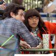 America Ferrera et Daniel Eric Gold sur le tournage d'Ugly Betty le 28 avril 2009. Betty semble avoir vu un fantôme...