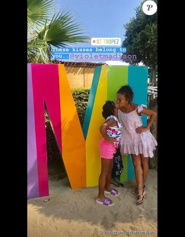 Christina Milian pose avec sa fille de 8 ans Violet à Saint-Tropez le 24 août 2018.