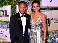 Neymar (PSG) : Amoureux à la tour Eiffel, il déclare sa flamme à Bruna
