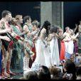 La foule est en délire et les chanteurs aussi pour la dernière parisienne de Cléopâtre, au Palais des Sports.