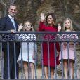 Le roi Felipe VI d'Espagne, la reine Letizia et leurs filles la princesse Leonor des Asturies et l'infante Sofia ont célébré le centenaire du couronnement canonique de la Vierge de Covadonga le 8 septembre 2018 à Cangas de Onis, saluant depuis le parapet la foule. Il s'agissait de la première visite officielle de la princesse Leonor dans le royaume des Asturies, une manère d'étrenner officiellement son titre d'héritière, 41 ans après son père.