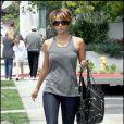 Halle Berry fait du shopping pour sa fille Nahla. 02/05/09