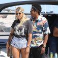 Exclusif - Jay-Z et sa femme Beyoncé arrivent en bateau à Nice avec un sac de la marque Bottega Veneta avant de se produire sur la scène de l'Allianz Riviera le 17 juillet 2018.