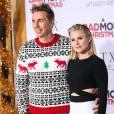 """Dax Shepard et sa femme Kristen Bell à la première de """"A Bad Moms Christmas"""" au théâtre Regency Village à Westwood, le 30 octobre 2017."""