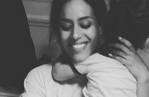 Amel Bent filme Sofia dans leur salon : L'adorable nom que lui donne sa fille...