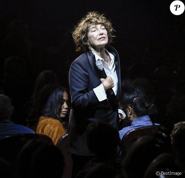 Jane Birkin chante au défilé Gucci, collection printemps/été 2019 au Palace à Paris, France, le 24 septembre 2018.