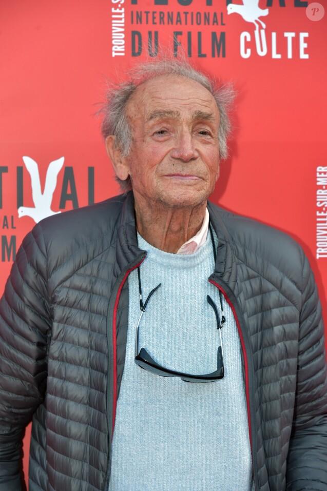 """Venantino Venantini pose au photocall du film """"Les Tontons Flingueurs"""" durant la cérémonie de clôture du 1er Festival International du Film Culte de Trouville-sur-Mer le 18 juin 2016."""