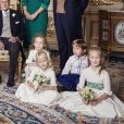 Mr Thomas Brooksbank, Mrs Nicola Brooksbank, Mr George Brooksbank, Jack Brooksbank, sa femme la princesse Eugénie d'York, la princesse Beatrice d'York, Sarah Ferguson, duchesse d'York le prince Andrew duc d'York, . le prince George de Cambridge; la princesse Charlotte de Cambridge; la reine Elisabeth II d'Angleterre ; le prince Phiip duc d'Edimbourg; Miss Maud Windsor; Master Louis De Givenchy; Miss Theodora Williams; Miss Mia Tindall; Miss Isla Phillips; Miss Savannah Phillips - Photos officielles du mariage de la princesse Eugénie et Jack Brooksbank le 12 octobre 2018 Pas de publication après le 30 avril 2019 sans autorisation © Alex Bramall / PA Wire / Bestimage  Embargoed to 2230 BST Saturday October 13 2018. NEWS EDITORIAL USE ONLY. NO COMMERCIAL USE. NO MERCHANDISING, ADVERTISING, SOUVENIRS, MEMORABILIA or COLOURABLY SIMILAR. NOT FOR USE AFTER 30th April 2019 WITHOUT PRIOR PERMISSION FROM BUCKINGHAM PALACE. NO CROPPING. Copyright in the photograph is vested in Princess Eugenie of York and Mr Jack Brooksbank and Alex Bramall. Publications are asked to credit the photograph to Alex Bramall. No charge should be made for the supply, release or publication of the photograph. The photograph must not be digitally enhanced, manipulated or modified in any manner or form and must include all of the individuals in the photograph when published. This official wedding photograph released by the Royal Communications of Princess Eugenie and Mr Jack Brooksbank in the White Drawing Room, Windsor Castle with (left to right) Back row: Mr Thomas Brooksbank; Mrs Nicola Brooksbank; Mr George Brooksbank; Her Royal Highness Princess Beatrice of York; Sarah, Duchess of York; His Royal Highness The Duke of York. Middle row: His Royal Highness Prince George of Cambridge; Her Royal Highness Princess Charlotte of Cambridge; Her Majesty The Queen; His Royal Highness The Duke of Edinburgh; Miss Maud Windsor; Master Louis De Givenchy; Front row: Miss Theodora Williams; Miss Mia Tindall; Miss Isla Phillips; Miss Savannah Phillips. PRESS ASSOCIATION Photo. Issue date: Saturday October 13, 2018. See PA story ROYAL Wedding. Photo credit should read: Alex Bramall/PA Wire NOTE TO EDITORS: This handout photo may only be used in for editorial reporting purposes for the contemporaneous illustration of events, things or the people in the image or facts mentioned in the caption. Reuse of the picture may require further permission from the copyright holder.12/10/2018 - Windsor