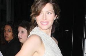 La belle Jessica Biel, radieuse dans sa robe à pois, a irradié New York !