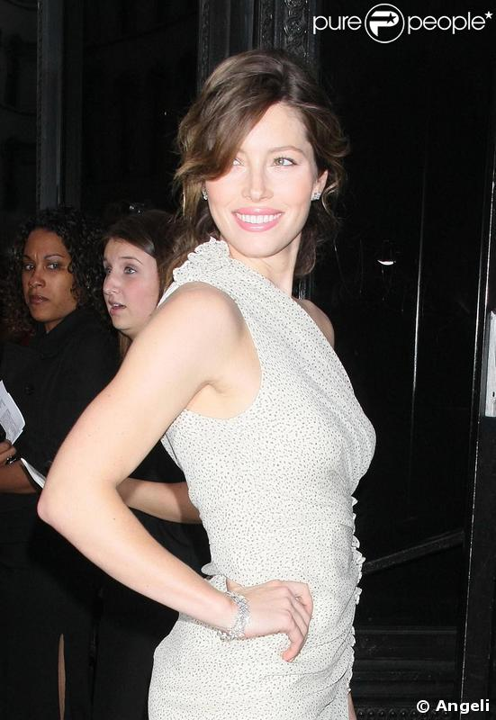 Jessica Biel à la projection spéciale du film  Easy Virtue , à New York.