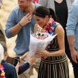 Le prince Harry, duc de Sussex, et Meghan Markle, duchesse de Sussex, enceinte, en visite à Bondi Beach dans la banlieue de Sydney, le 19 octobre 2018. Ils y ont rencontré Danielle Bazergy, étonnant sosie de Meghan.