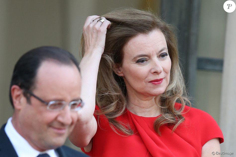 Francois Hollande et Valerie Trierweiler - Paris le 7 mai 2013 - Diner d'etat au Palais de l'Elysee en l'honneur de Mr Bronislaw Komorowski, President de la Republique de Pologne.
