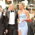 Jean-Claude Jitrois et Sarah Marshall monte les marches pour l'ouverture du 62e Festival de Cannes