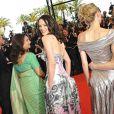 Le jury dont Asia Argento montent les marches pour l'ouverture du 62e Festival de Cannes