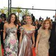 Asia Argento, Robin Wright et Isabelle Huppert montent les marches pour l'ouverture du 62e Festival de Cannes