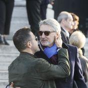 Obsèques de Philippe Gildas : Antoine de Caunes piège José Garcia, Maryse hilare