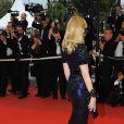 Même de dos, elle est sublime. Elizabeth Banks au Palais des Festivals, à Cannes le 14 mai 2009