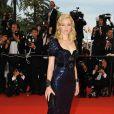 Elizabeth Banks était magnifique dans une robe bleu marine perlée et à sequins, à l'occasion du Festival de Cannes le 14 mai 2009