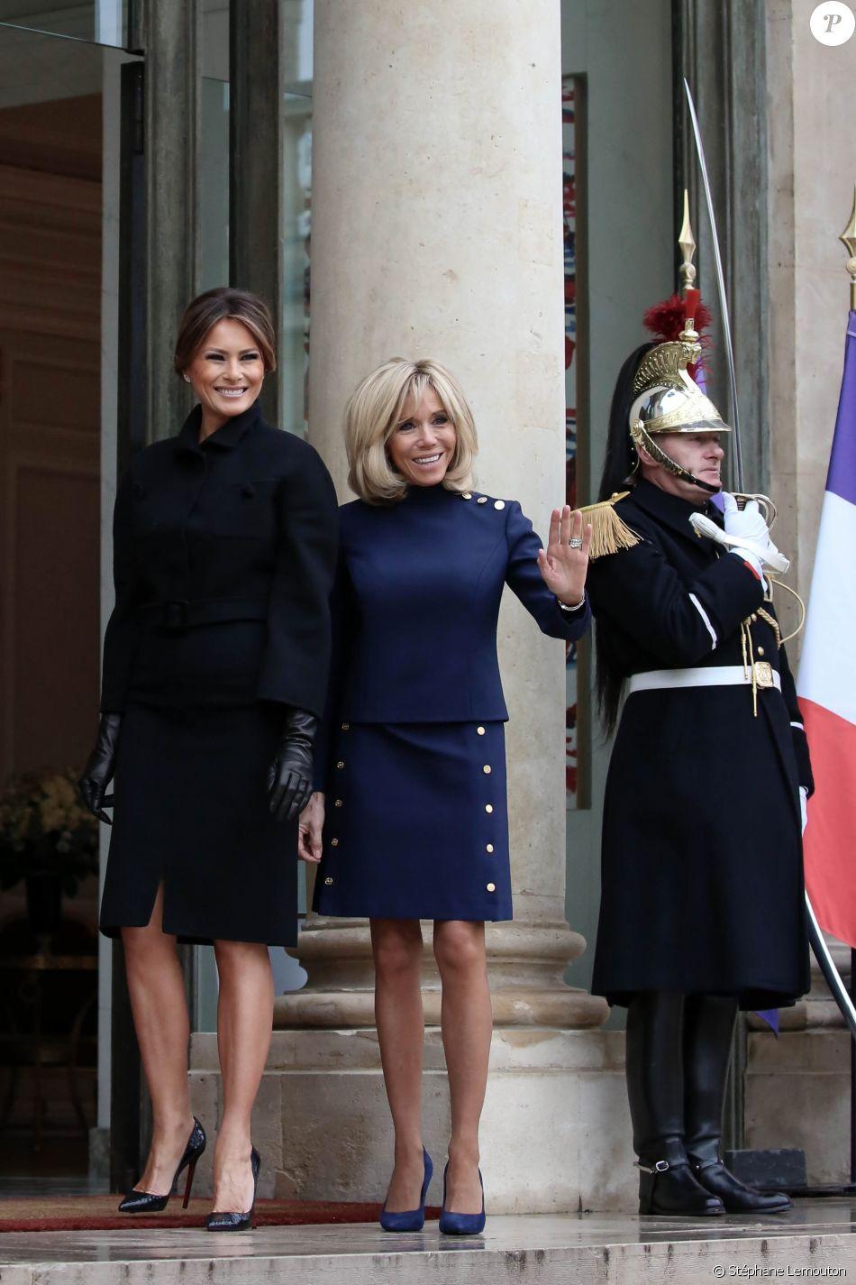 La Première Dame, Brigitte Macron (Trogneux) accueille la Première Dame des Etats-Unis, Melanie Trump au palais de l'Elysée à Paris, France, le 10 novembre 2018, à l'occasion du Centenaire de l'Armistice de la Première Guerre Mondiale. © Stéphane Lemouton/Bestimage