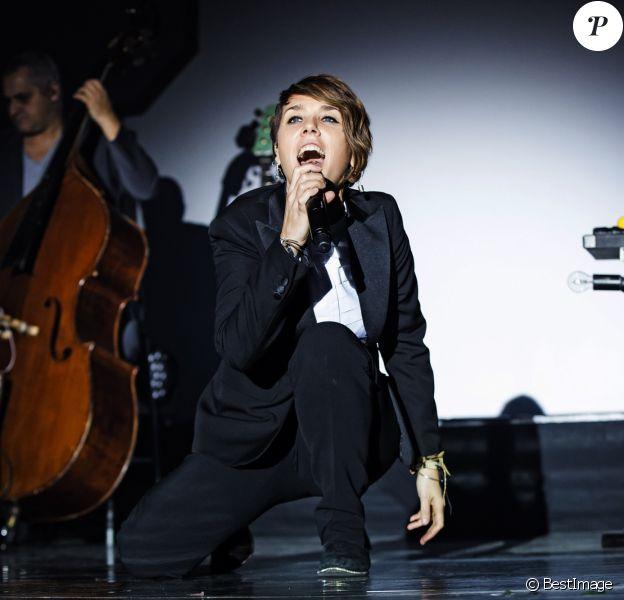 La chanteuse Zaz en concert au Max-Schmeling-Halle à Berlin, le 13 décembre 2016. © Future-Image via ZUMA Press/Bestimage