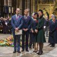 Le prince William, le prince Harry, la duchesse Meghan de Sussex et la duchesse Catherine de Cambridge à l'abbaye de Westminster lors du service commémoratif pour le centenaire de la fin de la Première Guerre mondiale à Londres le 11 novembre 2018