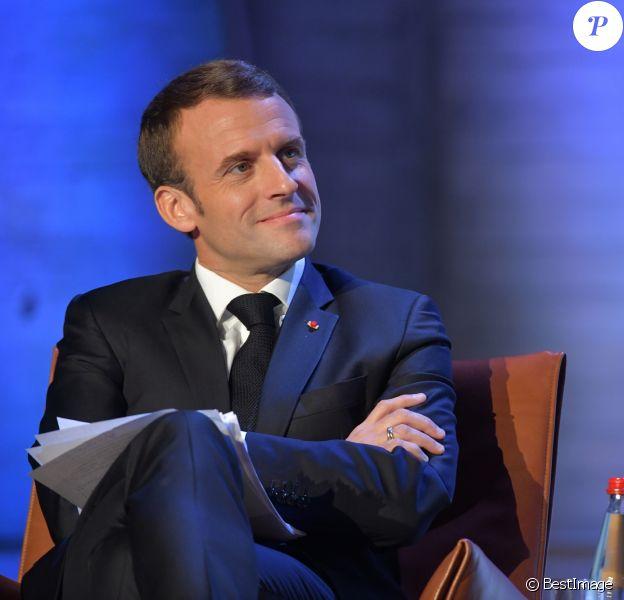 Le président Emmanuel Macron prononce un discours lors du Forum sur la Gouvernance de l'Internet à L'Unesco à Paris le 12 novembre 2018. © Giancarlo Gorassini/Bestimage
